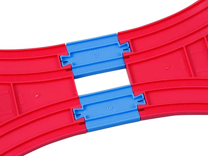 1/4直线路轨两端有3种不同的凹凸组合。这次要使用两端都是凸形的路轨哦。